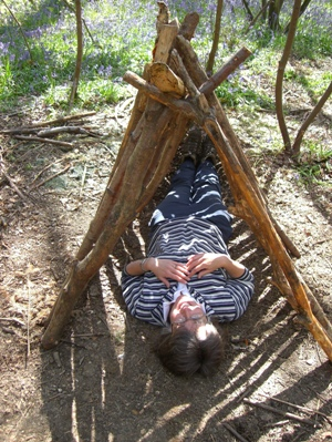 Bushcraft Debris Shelter Building